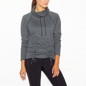 Lucy Pullover